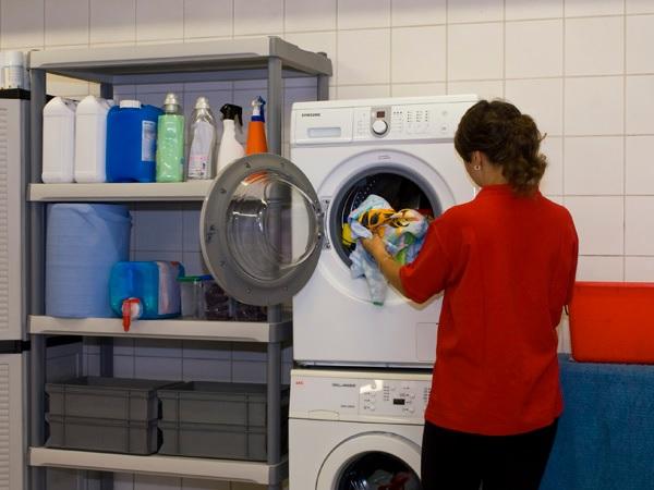 Profesionálne čistiarne odevov by si mali vyberať profesionálnu chémiu